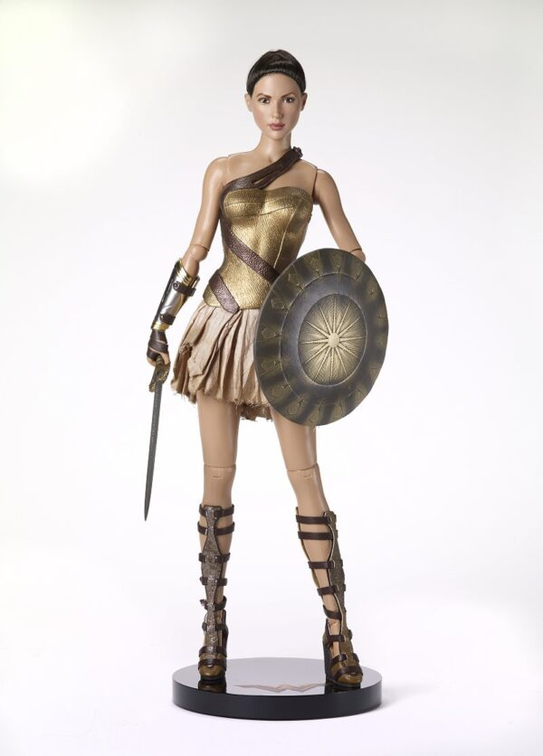Tonner Wonder Woman Training Armor Deluxe-0