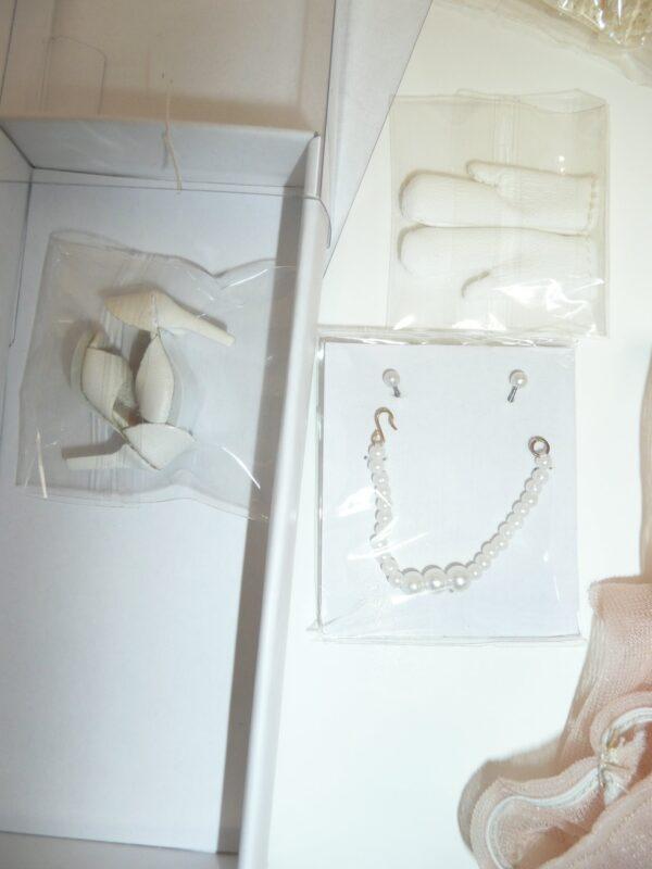 Integrity Victoire Roux Pour L'Orient Outfit, Complete, No Box-14100