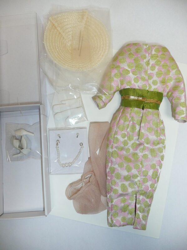 Integrity Victoire Roux Pour L'Orient Outfit, Complete, No Box-14098